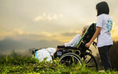 Disse egenskaber skal du rumme hvis du vil være handicaphjælper